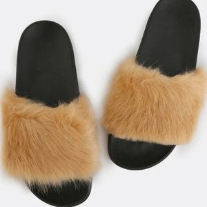 Cape Robbin Fur Slides Beige